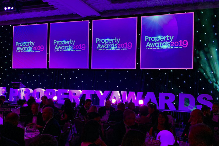 HubbleHQ Wins PropTech Innovator of the Year at this Year's Property Awards!